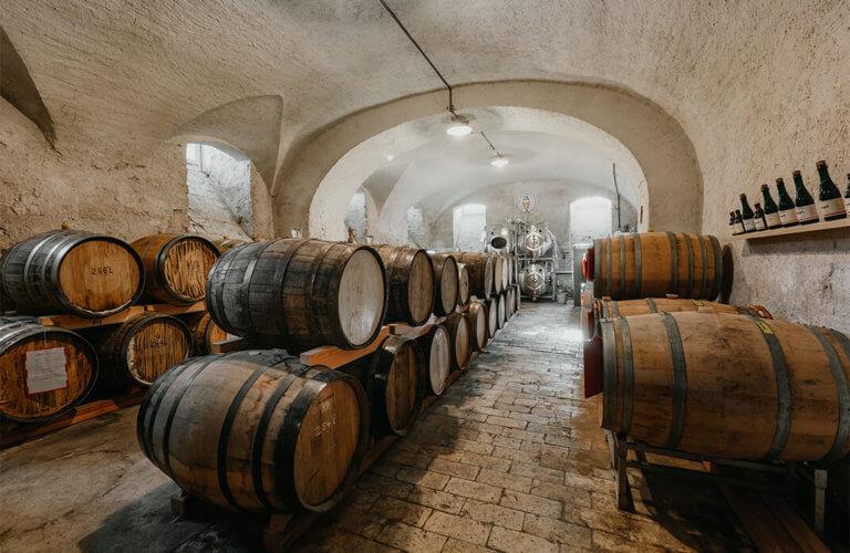Pilgrim Bier, Fässer in der Klosterbrauerei