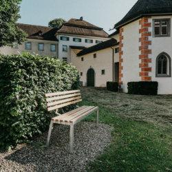 Bank im Klostergarten